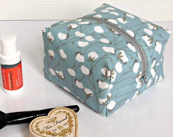 Blue Makeup Bag, Makeup Pouch, Large Cosmetic Bag, Cosmetic Pouch, Toiletry Bag, Travel Make Up Bag, Gift for Her, Valentines Gift for Mom,