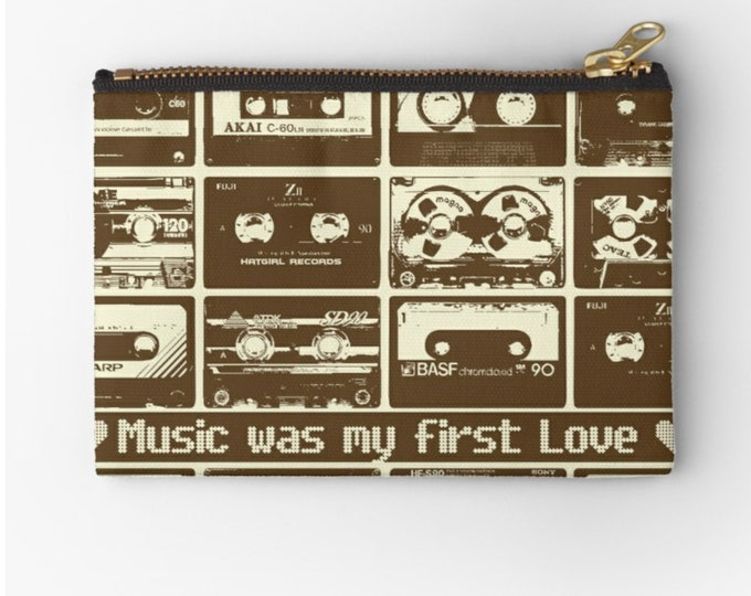 Case Music was my first love © hatgirl.de make-up bag Schlampermäppchen Federmappe Ramschmappe School beginning