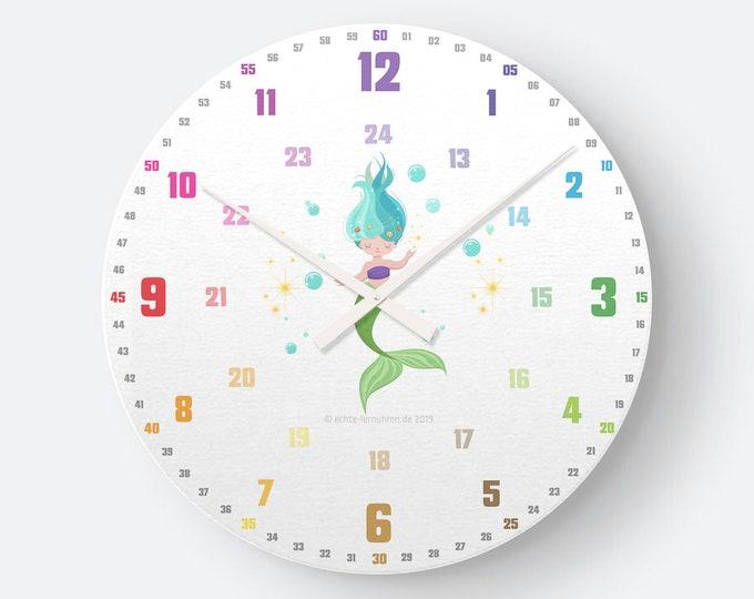 Lernuhrsystem als geräuschlose Wanduhr für Kinder inkl. Bastelbogen, Kalender und Übungsblättern | Regenbogenziffern Meerjungfrau