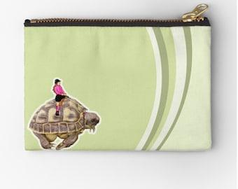CLUTCH TurtleRide © hatgirl.de make-up bag Sloppy pencil folder Ramschfolder