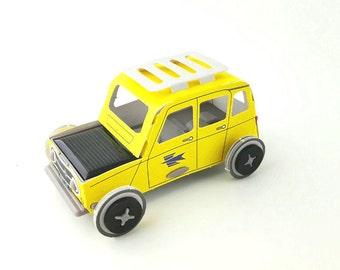 Autogami  Renault 4L La POSTE Miniature solar cardboard car