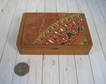 """Vintage Small Jewelry / Trinket Box Hand Painted Wood 4-5/8"""" x 3"""" x 1-1/4"""" Home Decor"""
