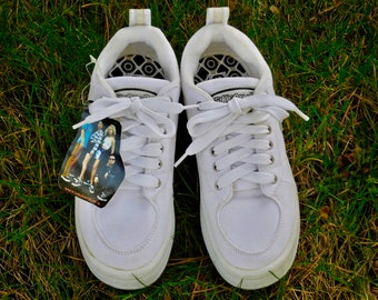 brand new a26fa a18f6 Uk6~Rare 90s New Unworn Skechers Sneakers Tennis Shoes White Canvas-Size  UK6 US Womens 8. LONDONBAY. 5 ...