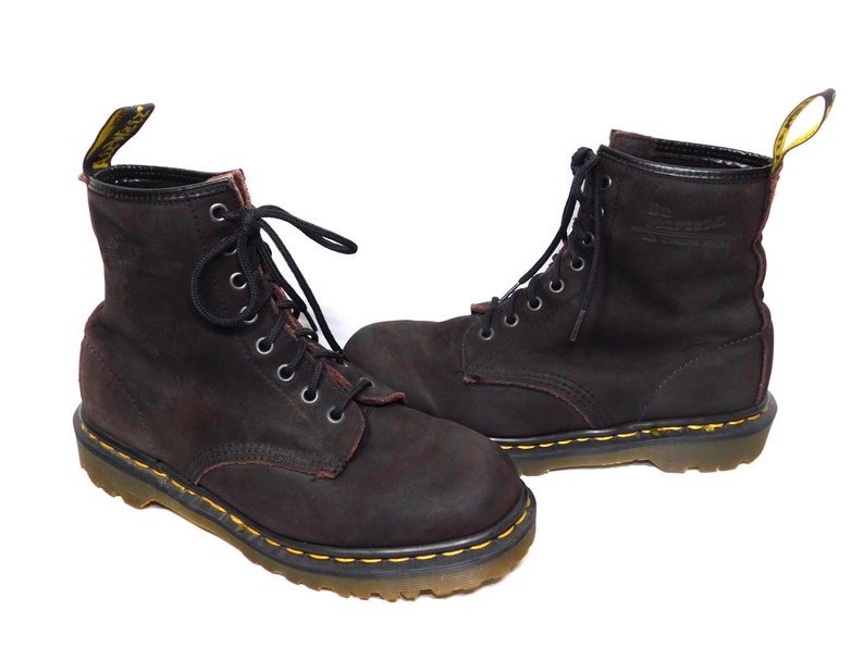 classic fit on feet at best wholesaler Uk 6~Vtg. Dark Brown 1460s Soft Leather Doc Martens-Made in England-(size 6  UK)=(size 6.5 US Mens)=(Size 8 to 8.5 US Womens)