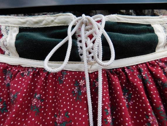 Vintage Gunne Sax Dark Red Calico Floral Velvet G… - image 4