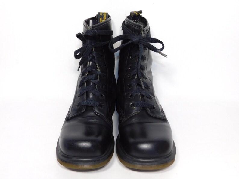 2d0fc01b3ff UK 4 Vtg. 90 s Doc Martens noir bottes à talons en cuir-Made