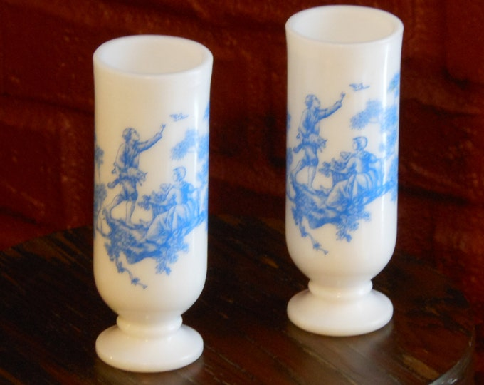 Colonial Pattern Blue & White Demitasse Handled Vase Cups