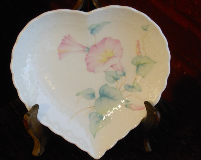 """Vintage Mikasa Heart Plate. """"For a Special Someone""""."""