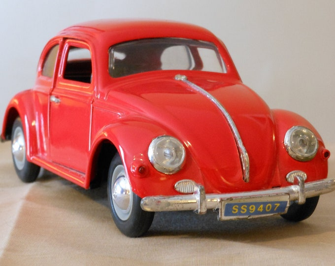 Vintage Volkswagen Bug Metal Car