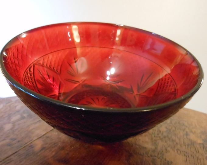 Cristal d'Arque Small Ruby Red Salad Bowl