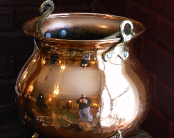 Vintage Hammered Copper Hanging Pot by Ethan Allen. Made in Israel.