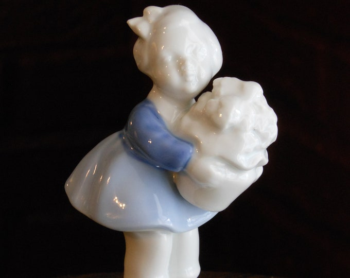 Vintage West Germany Gerold Porzellan Figurine