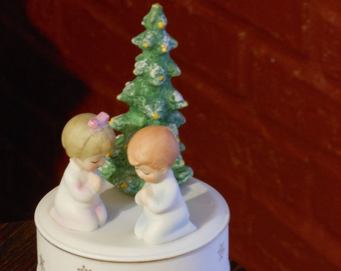 Schmid Brothers Vintage Christmas Music Box
