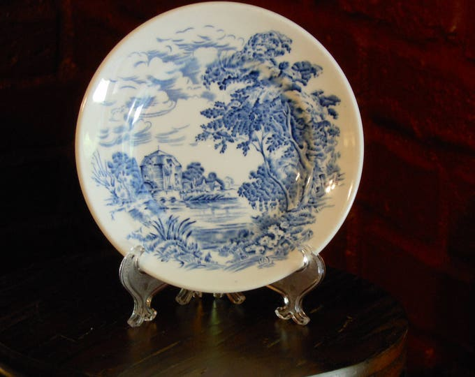 Signed Wedgwood Countryside Blue & White Saucer