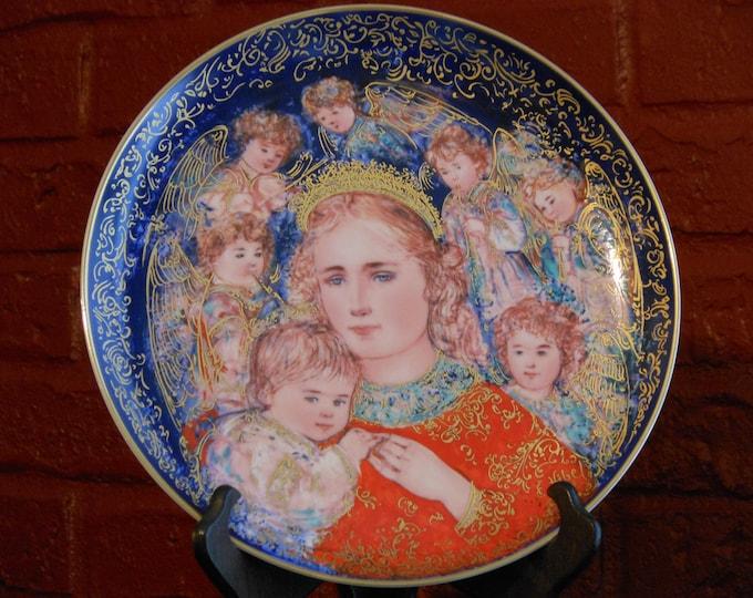 Edna Hibel 1985 Christmas Plate