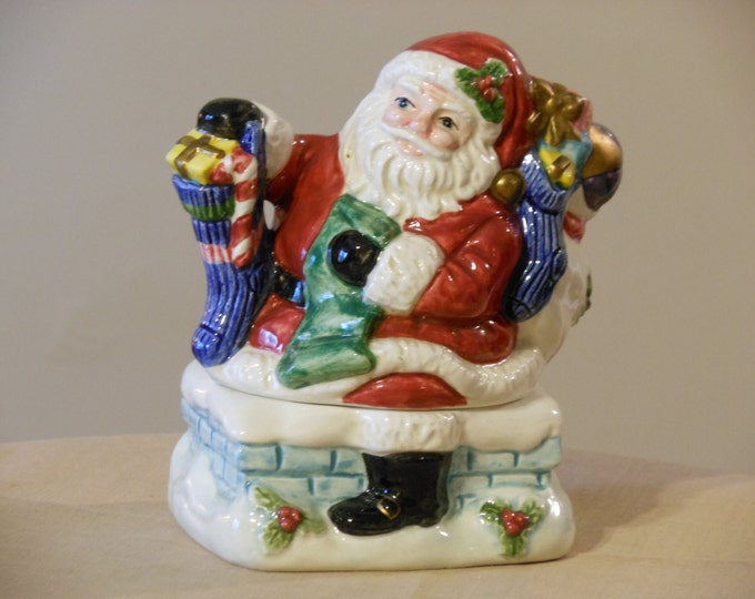 Fitz and Floyd Omnibus Santa Claus Stackable Salt and Pepper Shakers