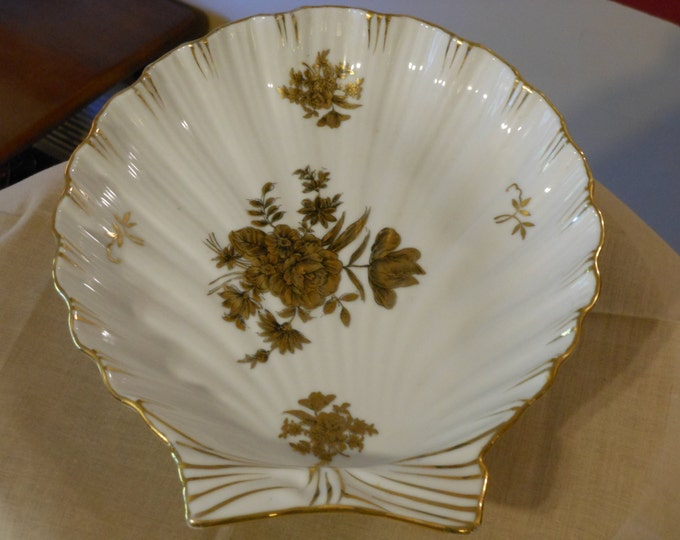 Porcelain Scallop Serving Dish
