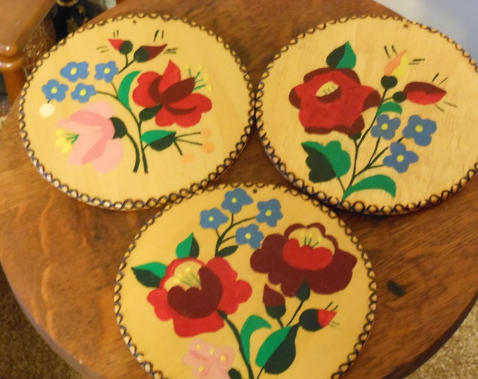 Hand Painted Wooden Floral Wall Decor (3)