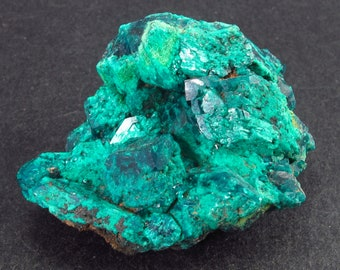 t15off DRC Dioptase with Mimetite from Tantara mine F65334 27gm  37mm x 32mm x 24mm