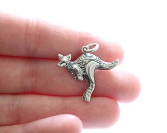 Sterling Silver Kangaroo Charm, Kangaroo Pendant, Silver Kangaroo Charm, Silver Kangaroo Pendant, Large Kangaroo Charm, Kangaroo Pendant