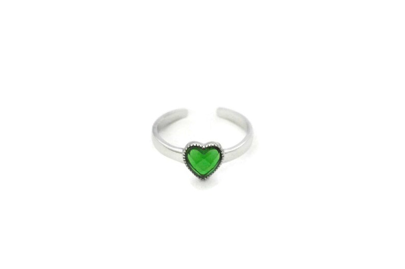 fffd1a3e52c25 Green Heart Silver Toe Ring with Heart Cubic Zirconia CZ - Sterling Silver  Toe Ring with Emerald Green Heart Cubic Zirconia CZ