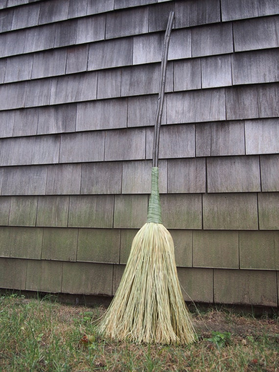 Defiant Wicked Witch Broom