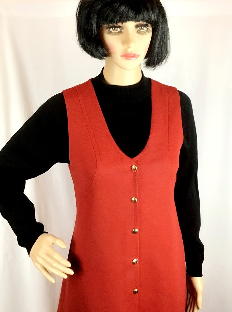 Vintage 60s 70s St Michael label Mod Rust Burnt Umber Red Crimplene Scooter Mini Pinafore Shift Dress Small