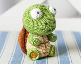 "Crochet Pattern of Turtle Gina from ""AradiyaToys Design"" (Amigurumi tutorial PDF file)"