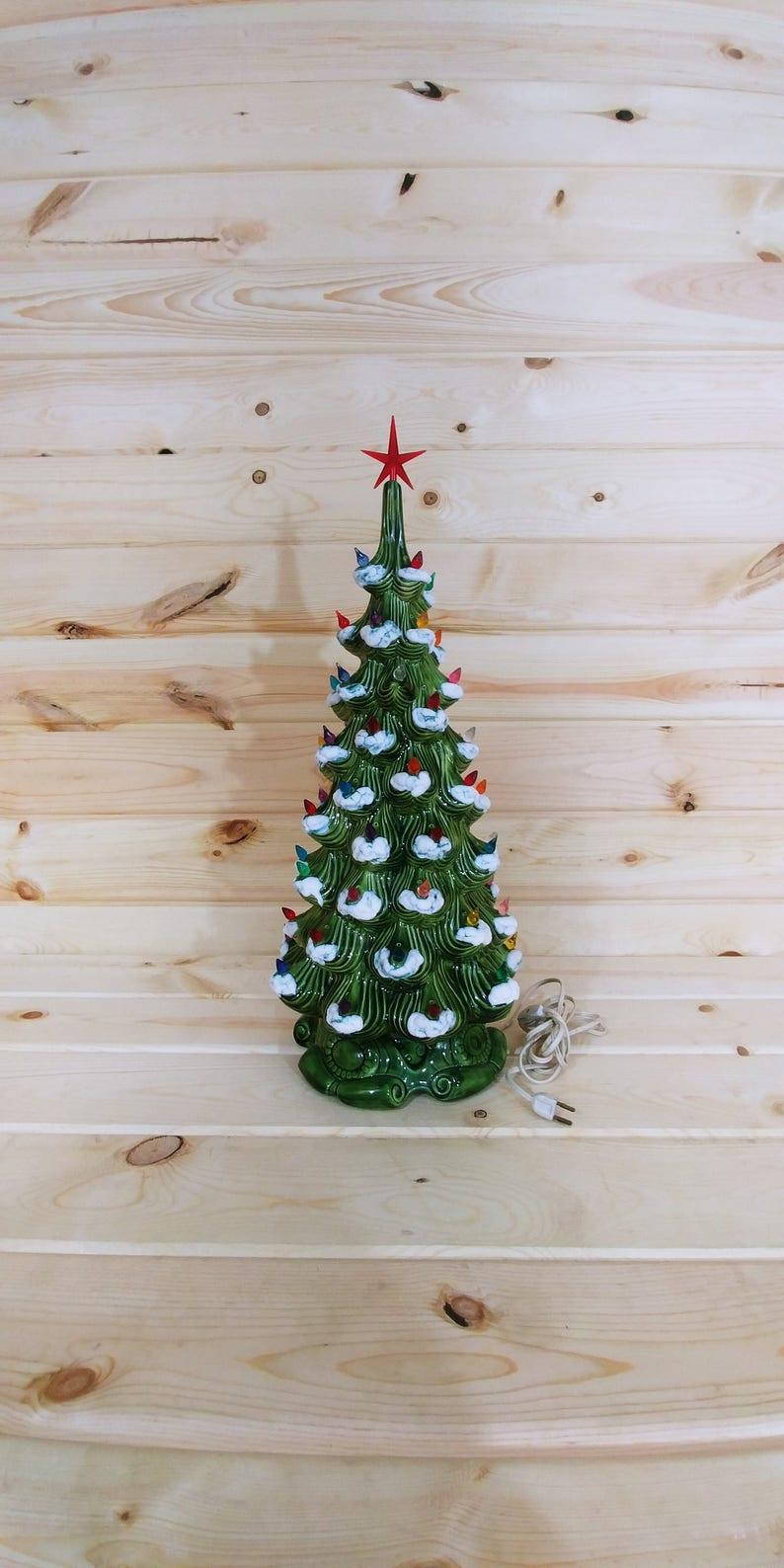 Vintage 24 Musical Atlantic Mold Ceramic Christmas Tree