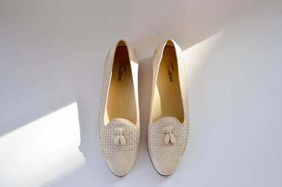 Cream Leather Loafer Flats/ Vintage 80s loafers /