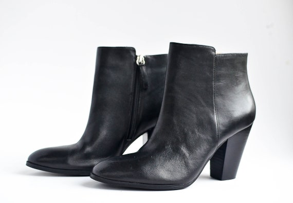 Vintage Black Leather Ankle Boots Women 8 / chunky