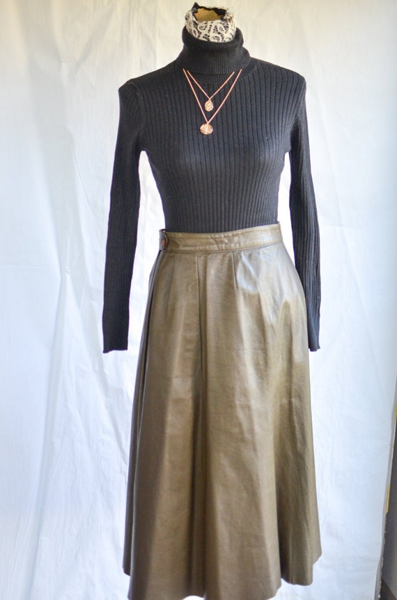 Olive green high waisted leather skirt / 70s leath