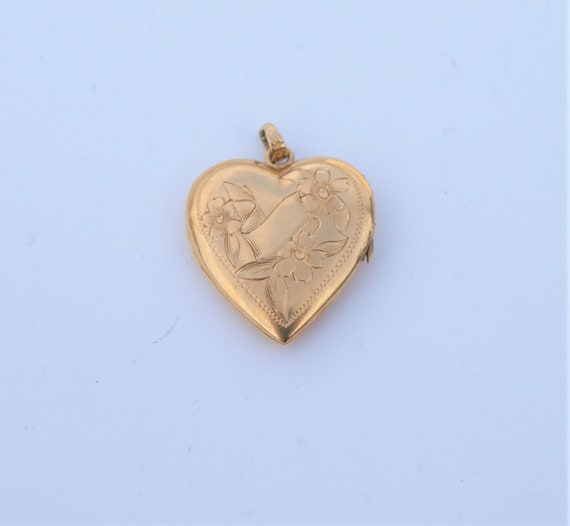 "14k Locket Heart Yellow Gold 1940s Etched 1"" High"