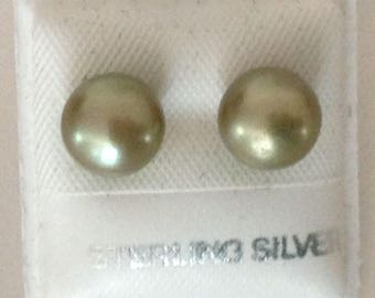 Olive Green Freshwater Pearl 7 mm Pierced Post Earrings 925 Sterling Silver gw16-098