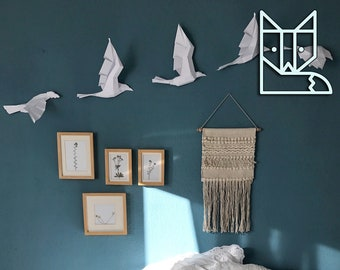 Flight of Birds Unicolor, DIY set with 5 birds. Chose your color, Lively wall sculpture animation. Geometric modern creative polygonal