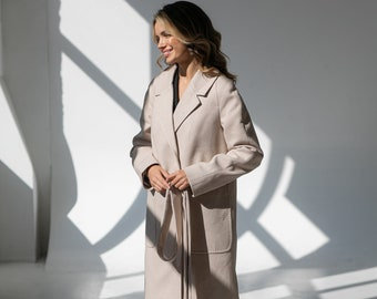 Demi-season cashmere coat with patch pockets and side slits