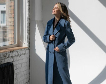 Demi-season wool double-breasted coat in a cage, English collar