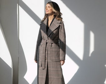 Demi-season wool coat in a cage, Wide lapel collar, Dropped shoulder