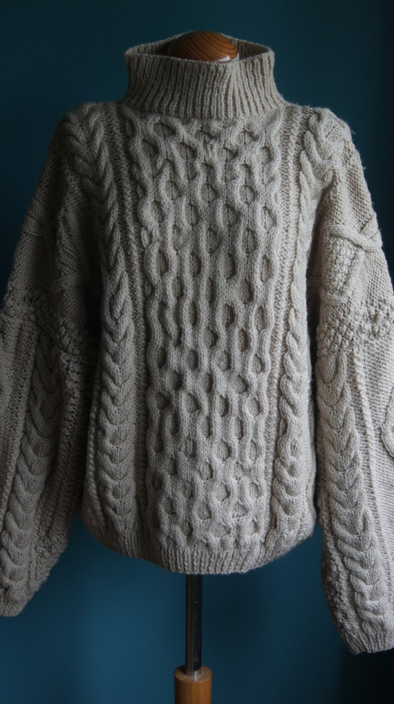 Vintage Unisex Cable Knit Pullover Hand knitted Wo