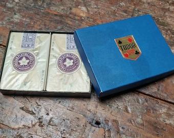 Cartes à jouer Tudor Vintage deux motif de non ouvert jeunes servantes paquets Montréal Canada canadien Playing Card Co Ltd
