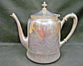 4d31e870d9c44 Meriden B Aesthetic Quadruple Silver Plate Teapot Etched Foliage Tea Pot