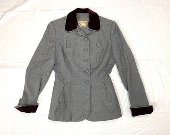 1940s gray wool with velvet tailored blazer looks size S 28 inch waist crepe lining business suit jacket