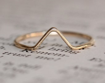 14K Gold Chevron Ring