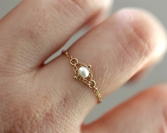 14K Gold Pearl Chain Ring, Solid Gold Chain Ring, Solid Gold Pearl Ring, White Pearl, June Birthstone, Rope Chain Ring, Dainty Chain Ring