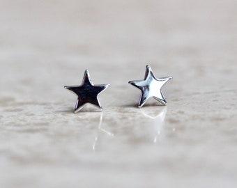 14K White Gold Star
