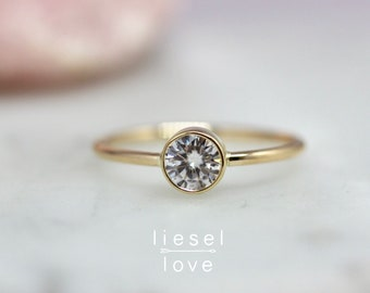 "14K Gold Diamond Moissanite ""Sunrise"" Solitaire Ring"