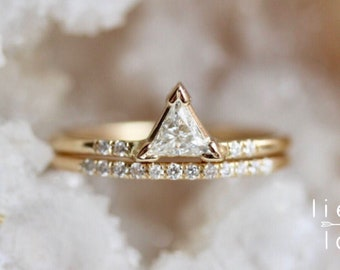 14K Gold Triangle Diamond Ring Set