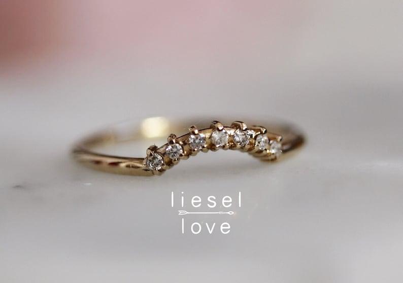 14K Gold Diamond Curved Wedding Band Crown image 0