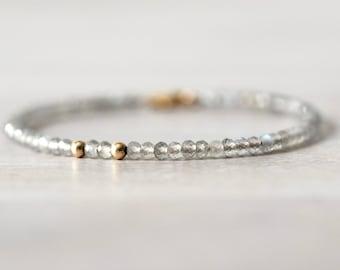 Labradorite 14K Gold Filled Bracelet, Gemstone Beaded Bracelet, Gemstone Bracelet, Gray Stone, Natural Labradorite, Iridescent Stone