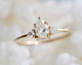 14K Gold Diamond Pear Ring, Three Stone Ring, Pear Diamond with Side Stones, Solid Gold, Tear Shape Diamond, Engagement Ring